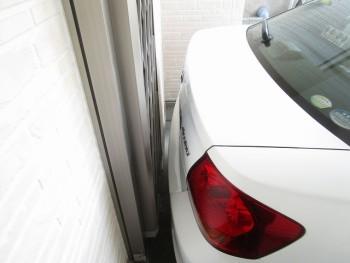駐車場うしろ