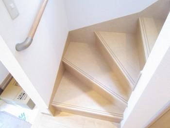 1階2階階段1