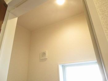 2階トイレ天井