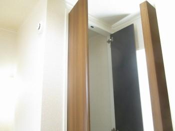 2階廊下収納上